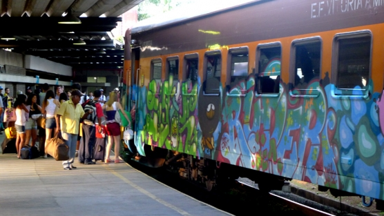 train-14-556x313