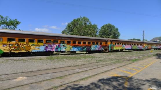 train-6-556x313