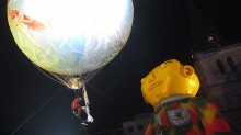 O ESTRANGEIRO, COLLABORATION OSGEMEOS AND PLASTICIENS VOLANTS
