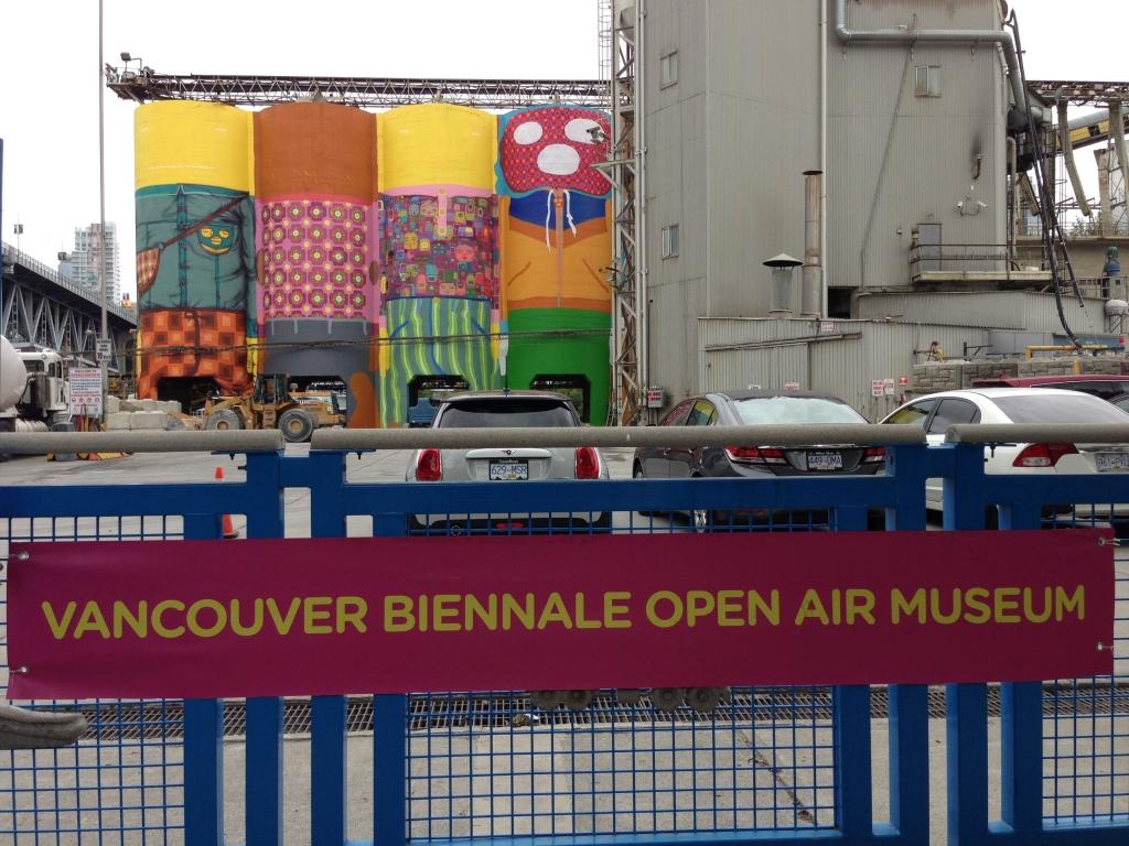 2014_OSGEMEOS_mural_bienal_vancouver_copyright_sergio_magro_15